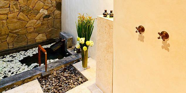 Semi-outdoor Bathroom