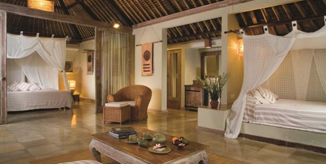Wapa di ume jasmine holidays for Terrace villa hotel kutus
