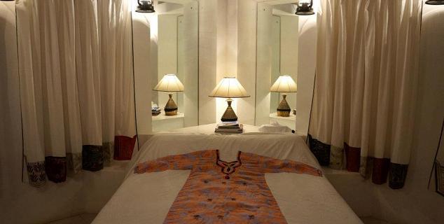 Xva art hotel dubai jasmine holidays for Xva art hotel